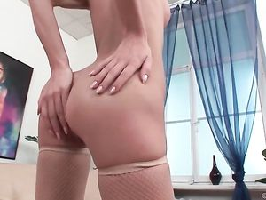 Beauty Has An Anal Threesome With Well Hung Guys