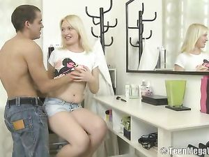 Blonde Teen GF Eaten Out And Fucked By Her Man