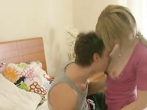 Perfect Skinny Teen Girlfriend Craves Hardcore Sex