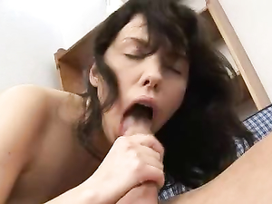 Guy Enjoys Licking His Girlfriend Before Fucking Her