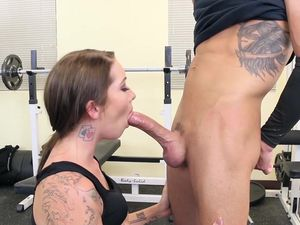 Gym Fucking With A Brunette Tattooed Babe