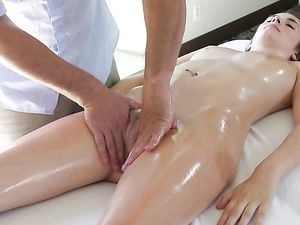 Finger Fucked Massage Beauty Wants Big Cock Too
