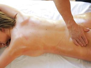 Masseur Makes A Curvy Beauty Cum With His Cock