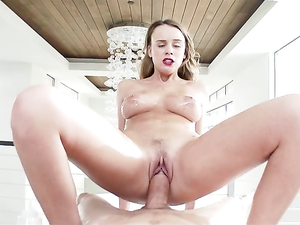 Perfect Lipstick Blowjob Gets This Hot Lady Laid