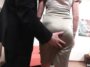 Young Beauty Wants Him To Fuck Her Roughly