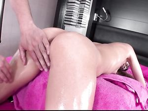 Oiled Teenage Girl In His Bed Wants Big Dick Sex