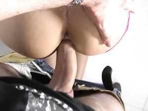 Pull Out And Cum On The Cunt Of The Cute Brunette