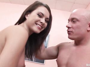 DP Babe Really Loves The Anal Part Of The Fun